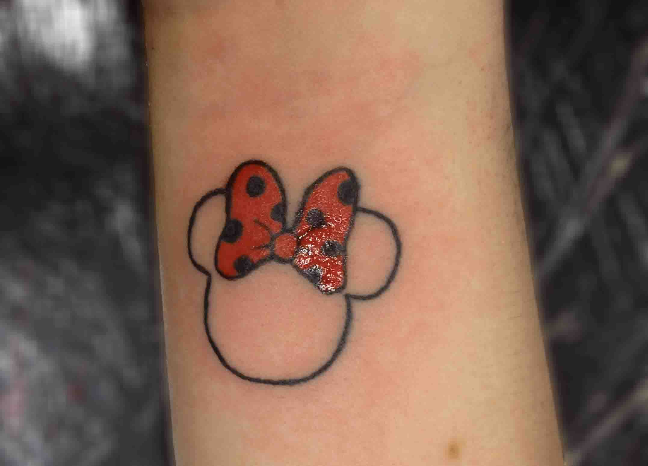 Pink Minnie Mouse Head Outline