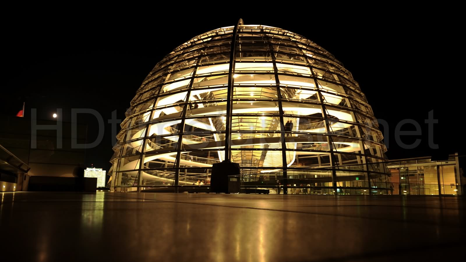45 incredible night pictures of the reichstag building in berlin germany. Black Bedroom Furniture Sets. Home Design Ideas