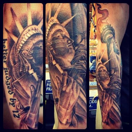 30 Awesome Statue Of Liberty Tattoos