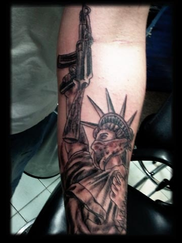 cdd086781f638 Black Ink Gangster Statue-Of Liberty Tattoo On Forearm
