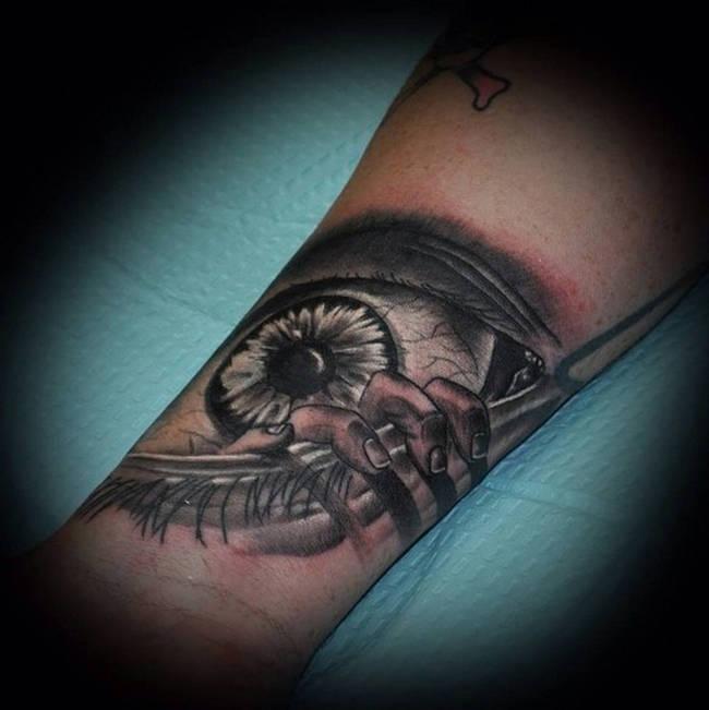 21 Simple Horror Tattoos