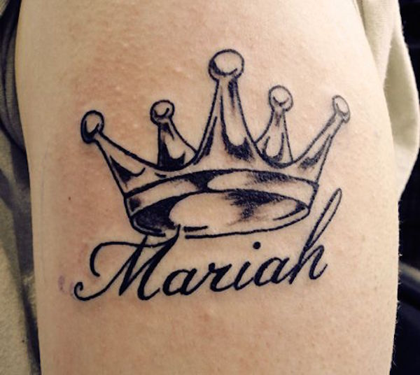 Black Ink Crown With Mariah Name Tattoo Design For Shoulder