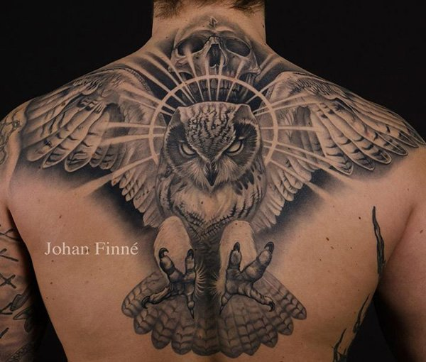 Traditional eagle with skull tattoo on upper back for Skull and eagle tattoo