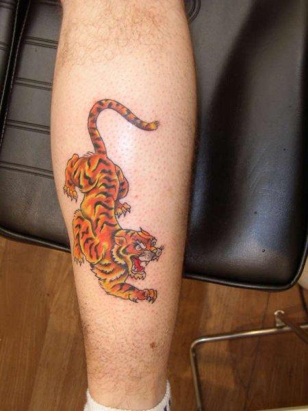 26+ Simple Calf Tattoos
