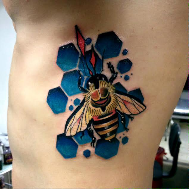 30+ Traditional Bee Tattoos