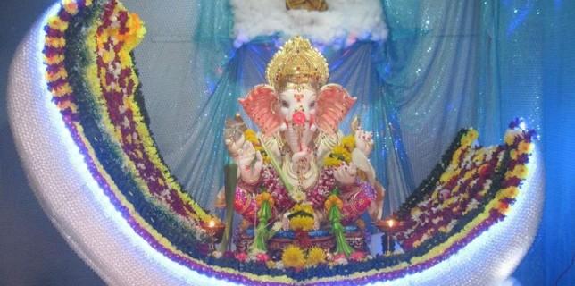 Elegant Amazing Ganpati Decoration On Ganesh Chaturthi