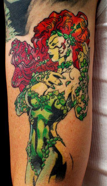26 fantastic poison ivy tattoos for Poison ivy vine tattoos