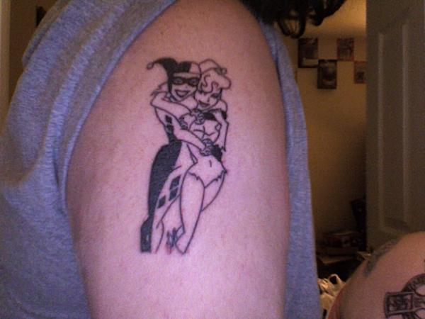 a3bf5af44 Black Poison Ivy With Harley Quinn Tattoo On Right Shoulder By Decepticreep