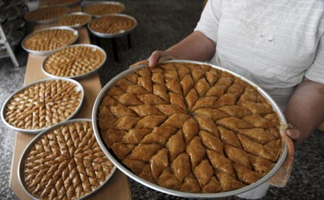 Amazing Snack Eid Al-Fitr Food - Traditional-Sweet-For-Eid-Al-Adha-Celebrations  Perfect Image Reference_969320 .jpg