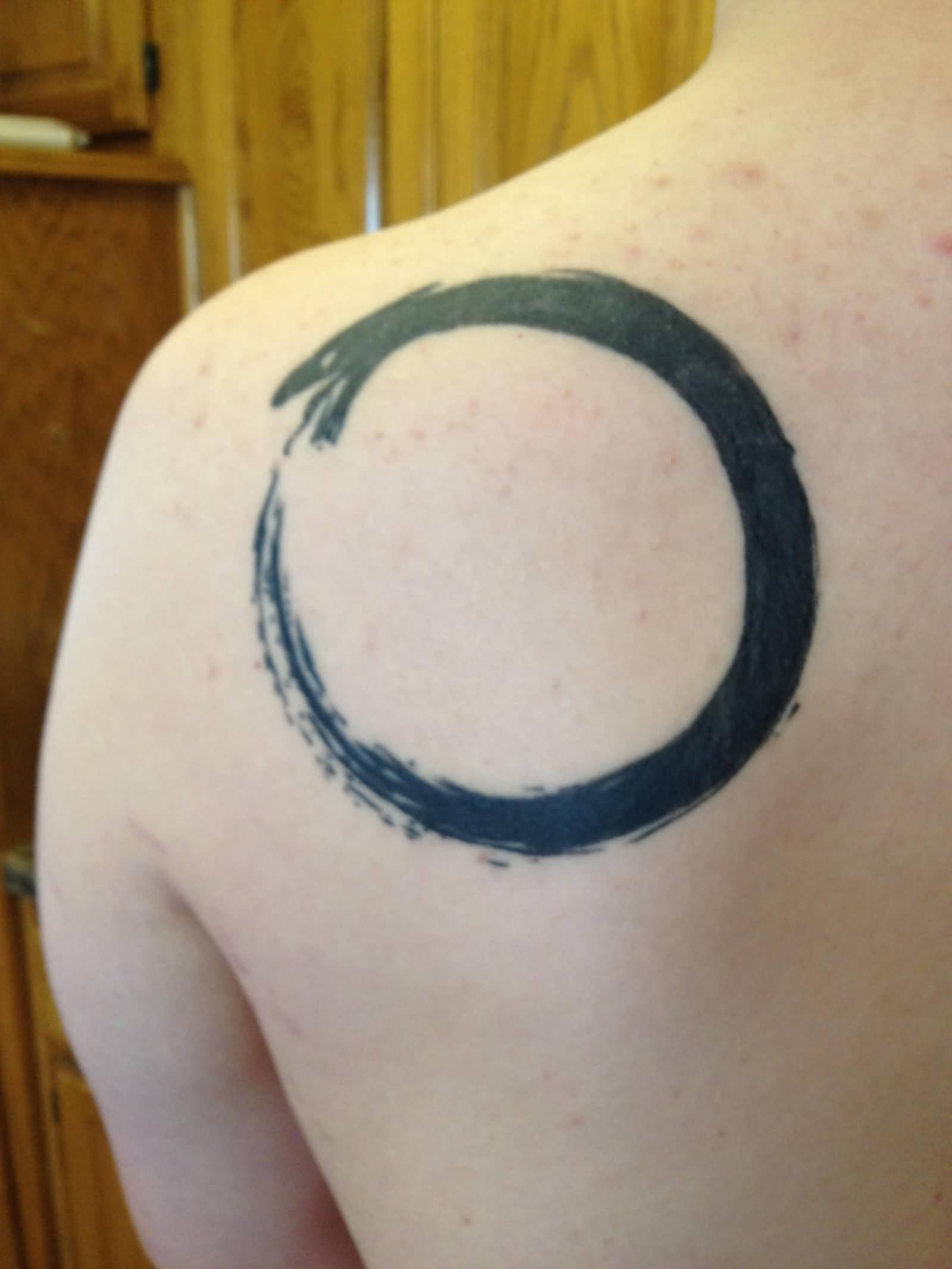 Shoulder Ring Tatoos