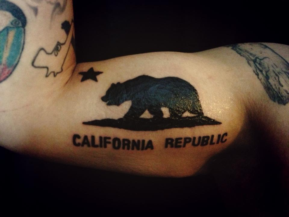 california republic bear pictures to pin on pinterest tattooskid. Black Bedroom Furniture Sets. Home Design Ideas