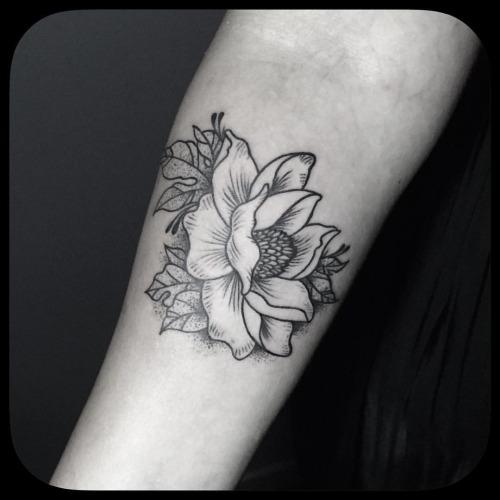 a0448851e02bc 20+ Black And White Magnolia Tattoos