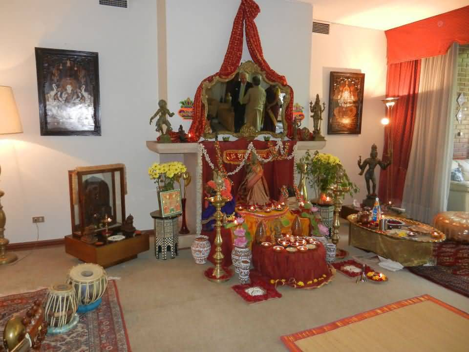 12 beautiful pictures of the lakshmi puja celebrations for Aarti decoration pictures