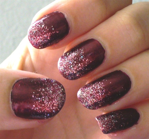 50+ Most Adorable Glitter Ombre Nail Art Design Pictures