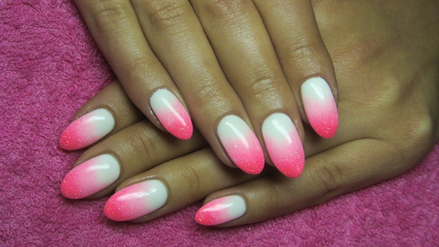 pink and white ombre nails - 630×354