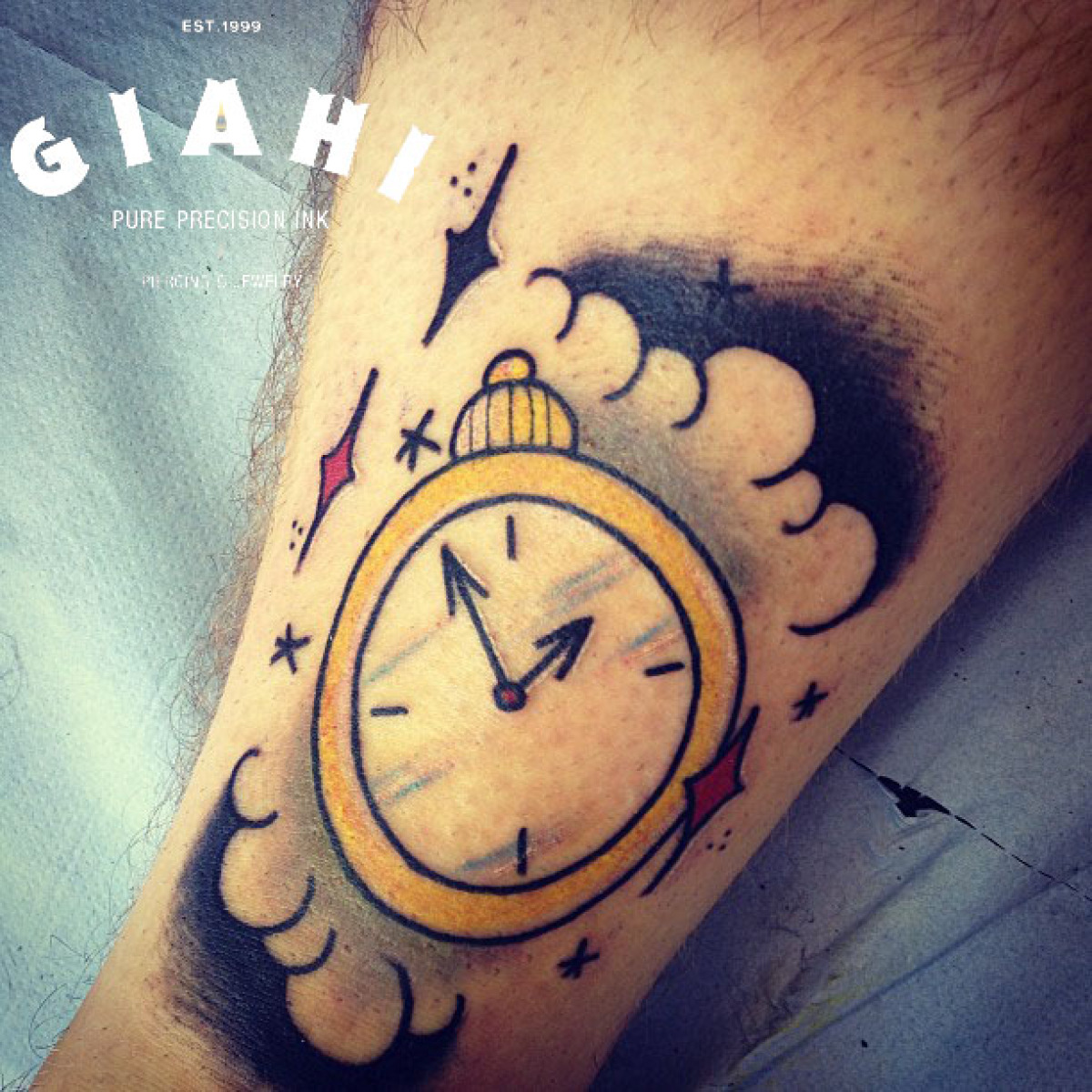 30+ Simple Clock Tattoos