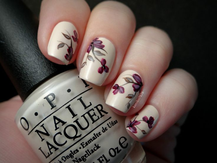 - Adorable Flowers Nail Art Design