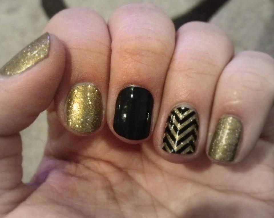 Nail Art Black Gold Silver: Black and silver nail art step by ...
