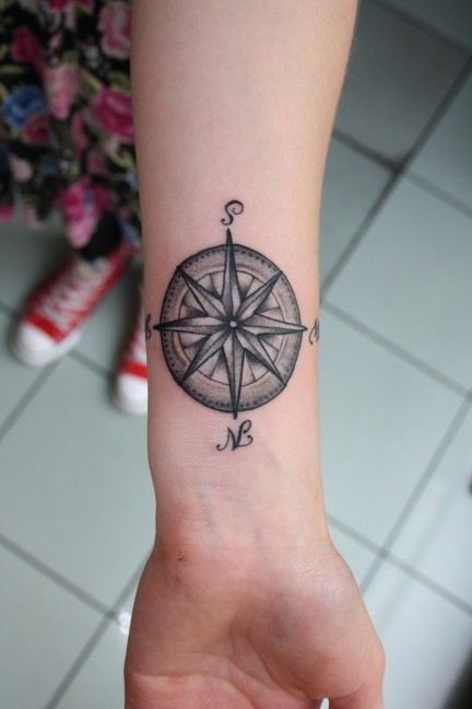 35 feminine compass tattoos. Black Bedroom Furniture Sets. Home Design Ideas