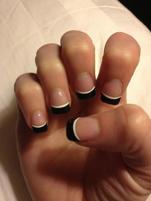 Black And White French Tip Nail Art For Short Nails