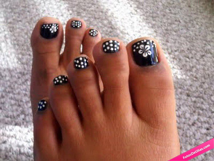 50 most beautiful and stylish flower toe nail art design ideas black and white polka dots and flower nail art design prinsesfo Image collections