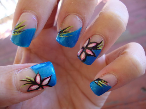 Blue French Tip With Vintage Flowers Nail Art