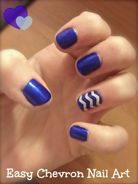 Blue nails with golden chevron nail art design prinsesfo Image collections