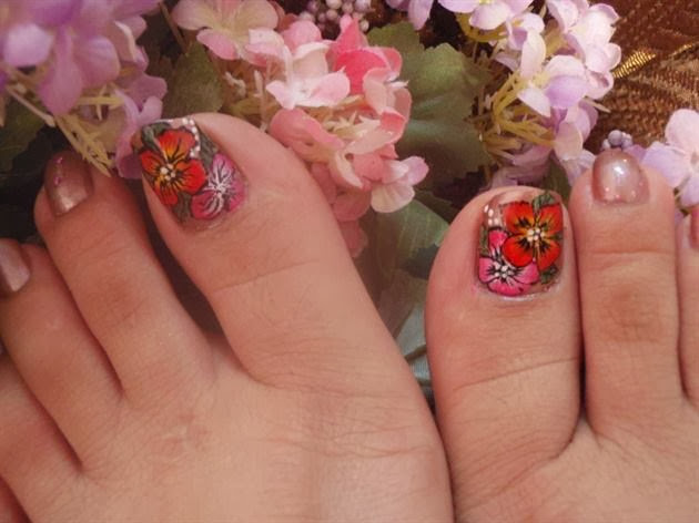 50 most beautiful and stylish flower toe nail art design ideas cute flowers toe nail art design prinsesfo Image collections