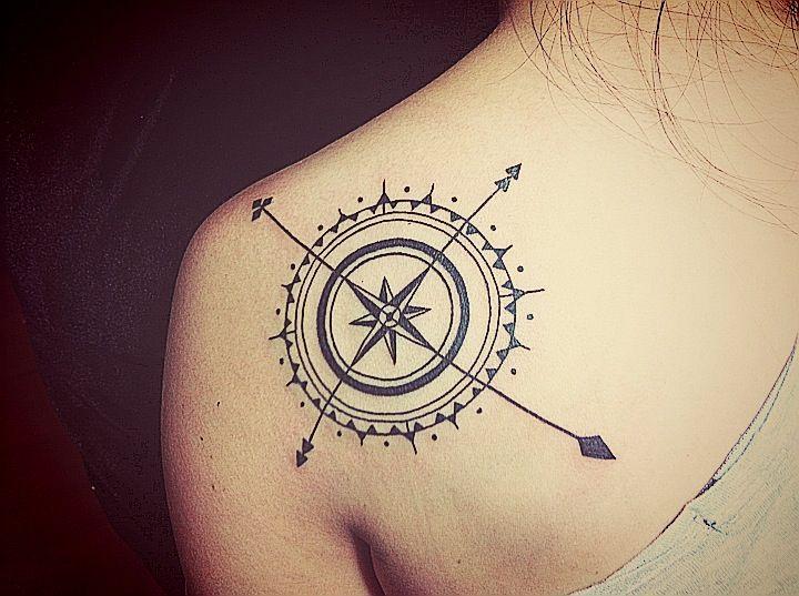 35 feminine compass tattoos for Compass shoulder tattoo