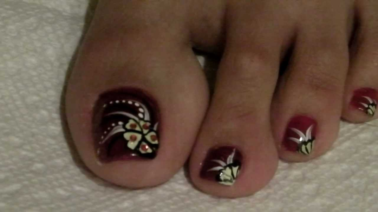 White Flower Toe Nail Art - 50+ Most Beautiful And Stylish Flower Toe Nail Art Design Ideas