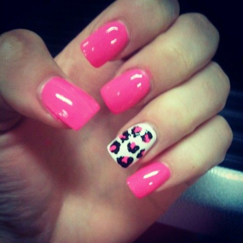 Accent Pink And White Leopard Print Nail Art