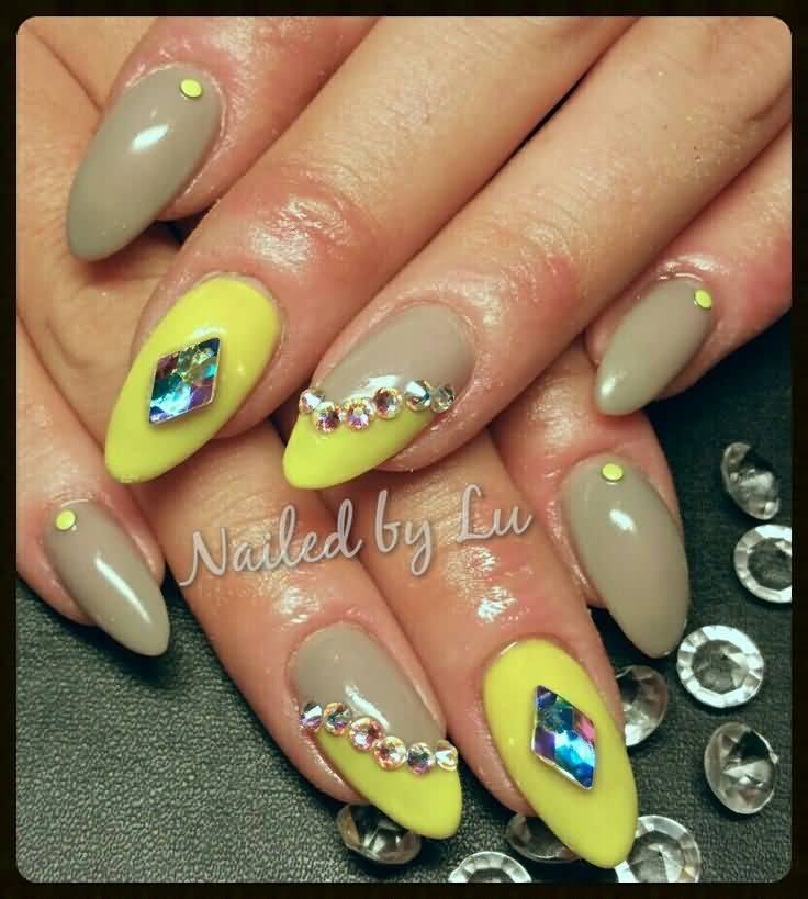 Almond Acrylic Nail Art By Lu - 45+ Most Beautiful Almond Shaped Acrylic Nail Art Design Ideas