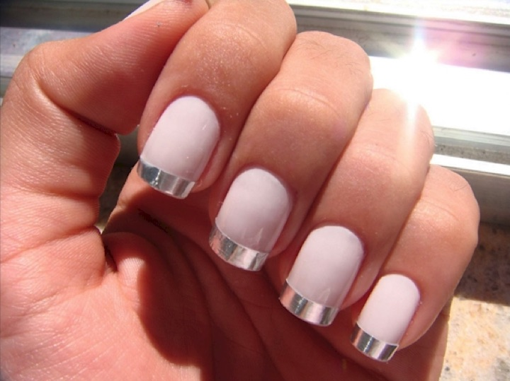 Baby pink nails with silver metallic nail art prinsesfo Images