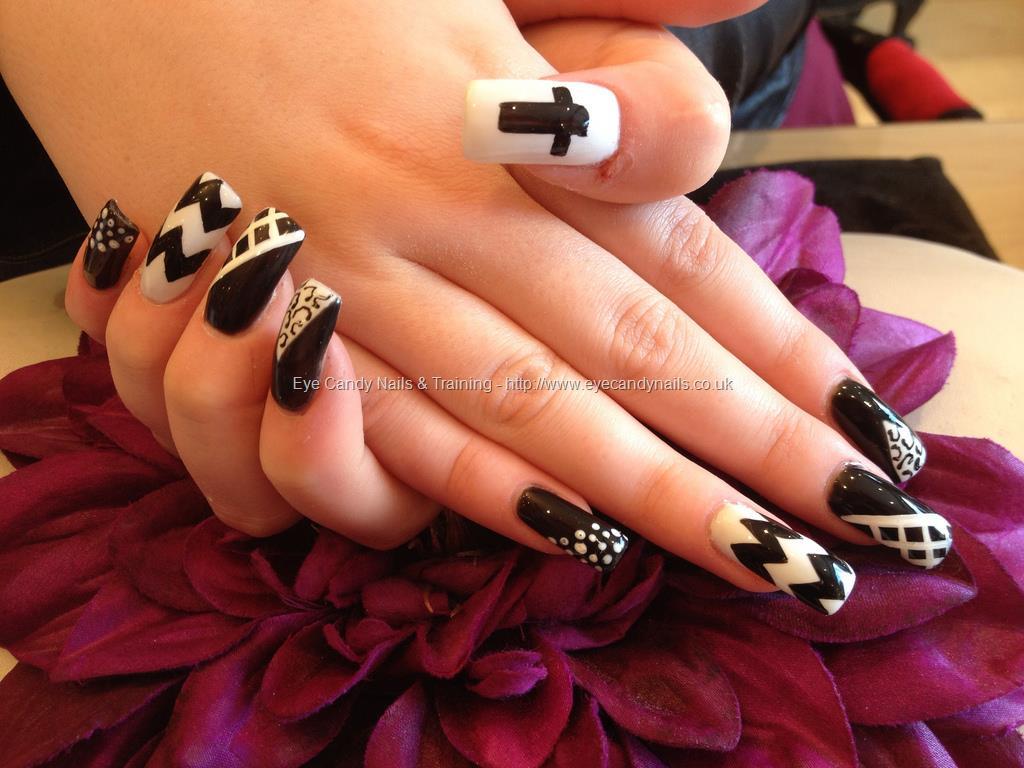 40 stylish black acrylic nail art designs black and white cute acrylic nail art design prinsesfo Image collections