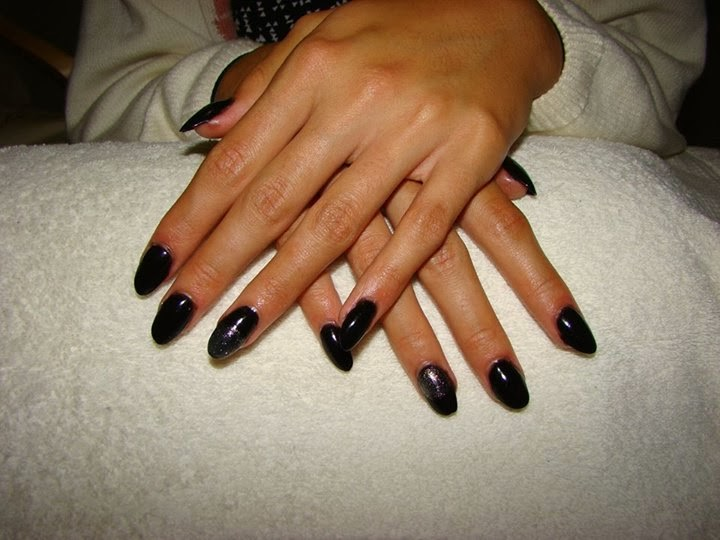 Black Simple Almond Acrylic Nail Paint Design