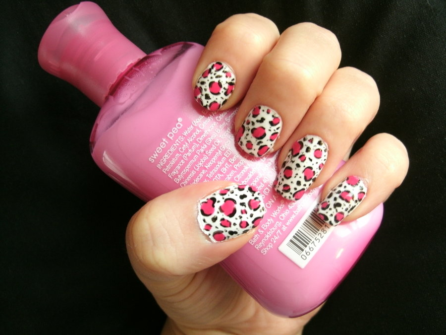 white and pink leopard print nail art