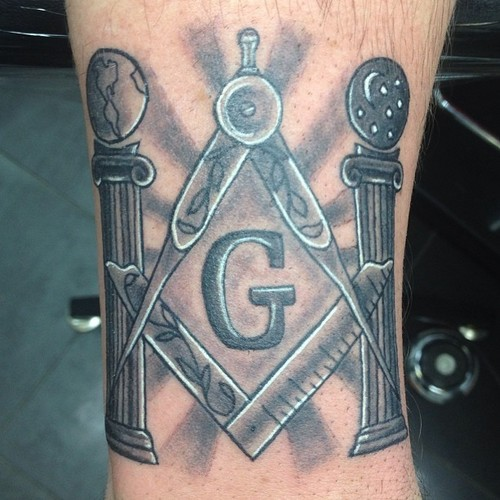 Black-And-Grey-Masonic-Tattoo.jpg