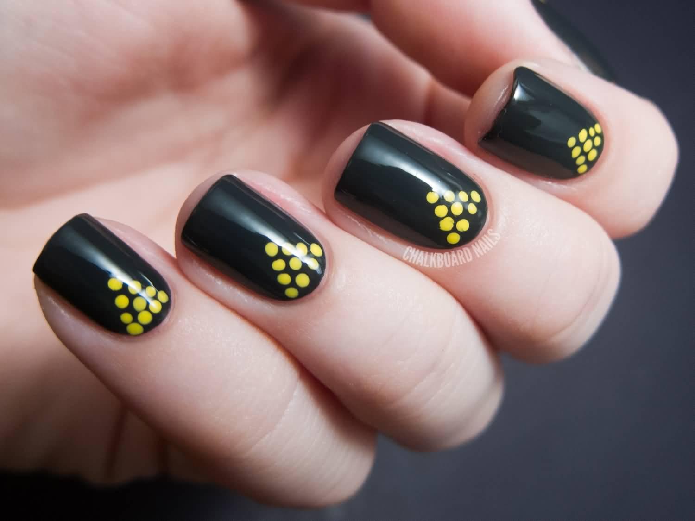 Cool Polka Dot Nail Designs