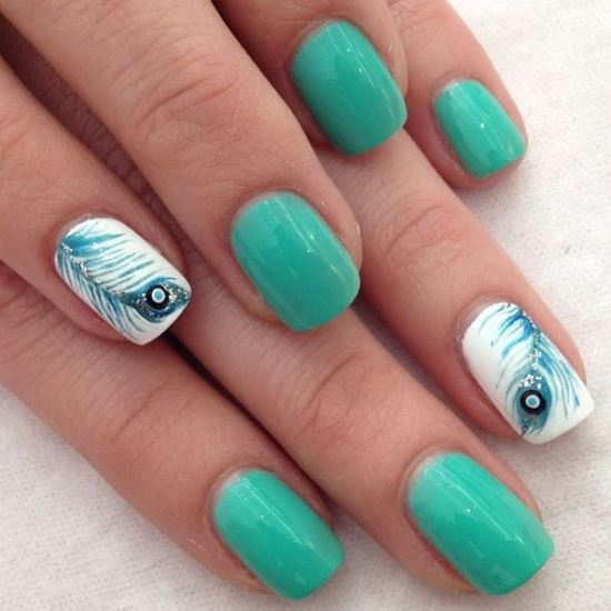 Accent Feather Nail Art