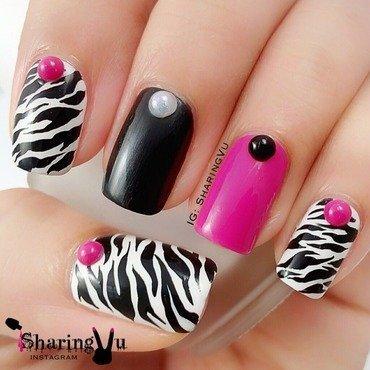 Beautiful Zebra Print Nail Art With Pearls Design