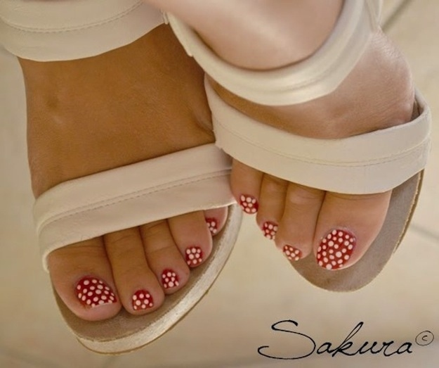 45 best polka dots toe nail art design ideas black and red simple polka dots nail art for toe prinsesfo Image collections