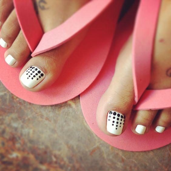 45 best polka dots toe nail art design ideas black and white cute simple polka dots nail art for toe prinsesfo Choice Image