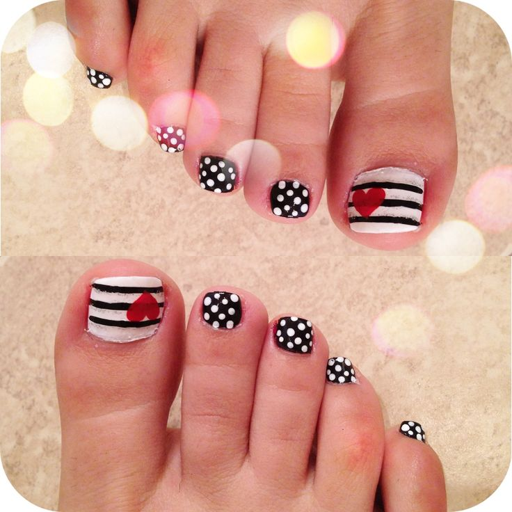 Black And White Polka Dots Stripes Design Nail Art For Toe With Heart
