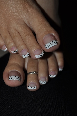 Black And White Polka Dots Nail Art French Tip For Toe