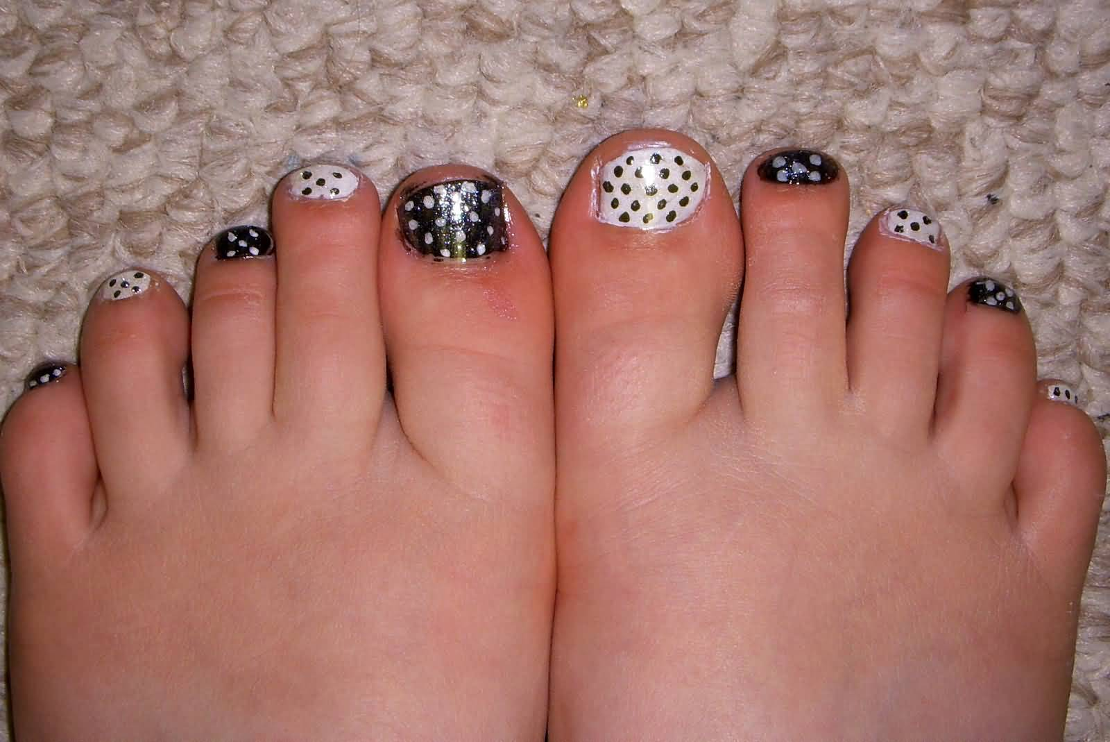 45 best polka dots toe nail art design ideas black and white polka dots toe nail art design idea prinsesfo Image collections