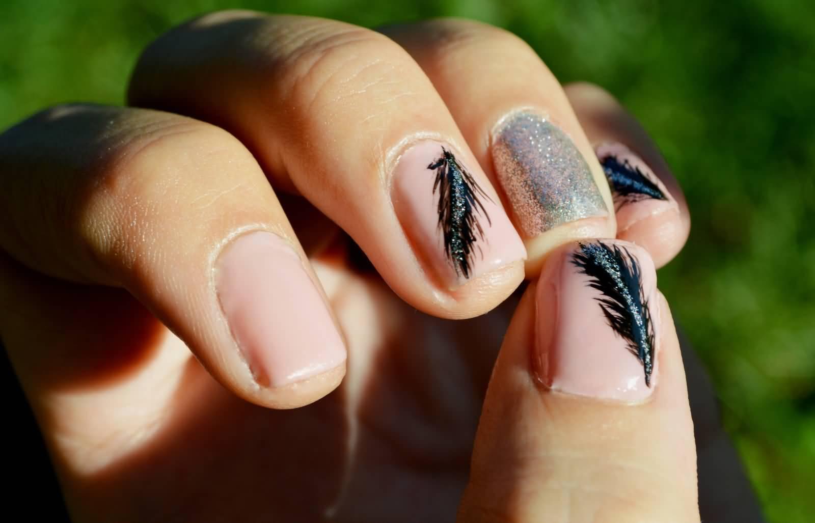 55 most stylish feather nail art designs - Nail art nude ...