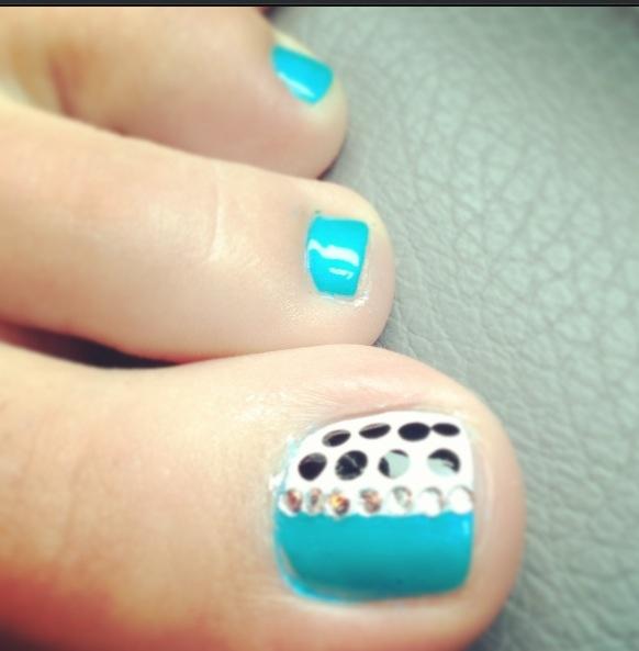 45 best polka dots toe nail art design ideas black polka dots nail art for toe prinsesfo Image collections