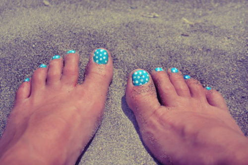 45 best polka dots toe nail art design ideas blue and white polka dots nail art design for toe prinsesfo Image collections