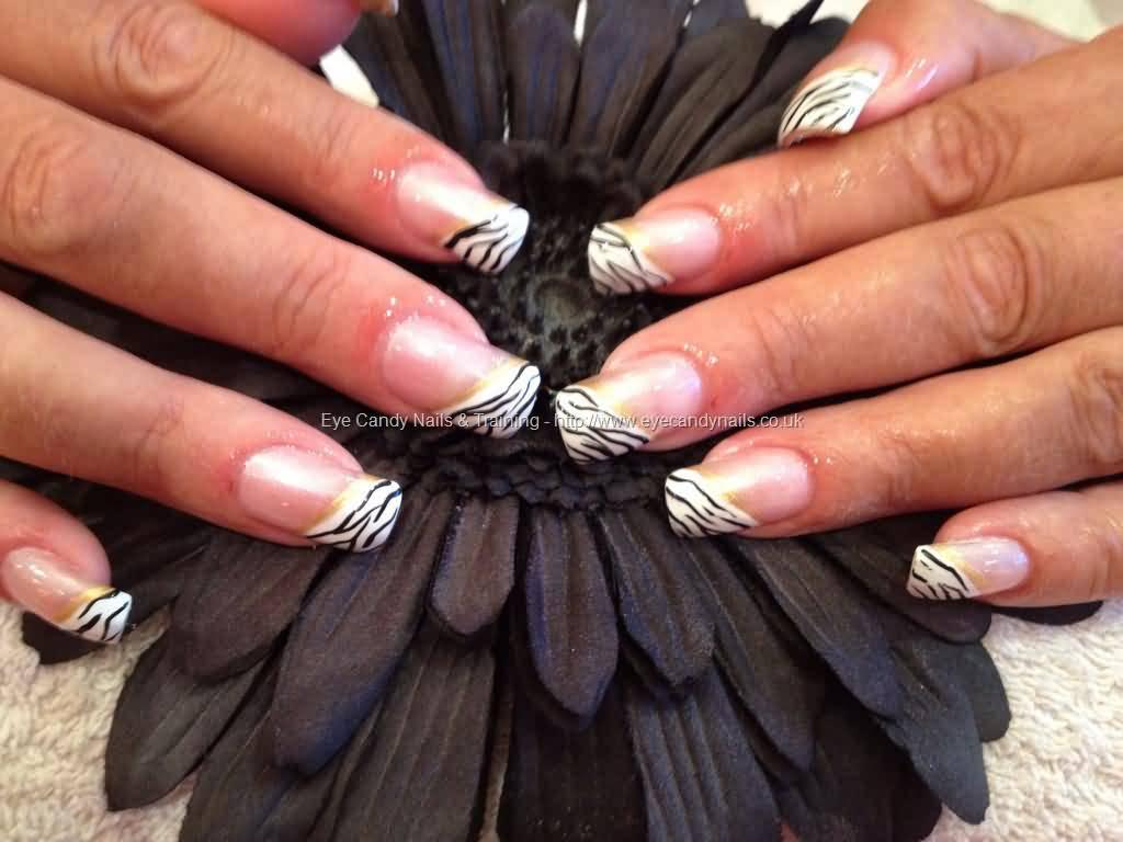 Diagonal Acrylic Zebra Print Nail Art