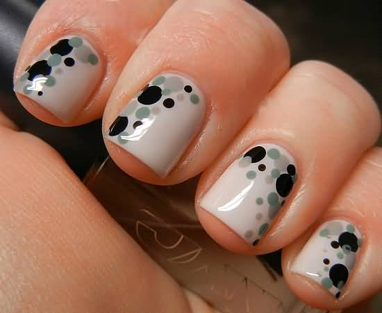 Green And Black Polka Dots Nail Art